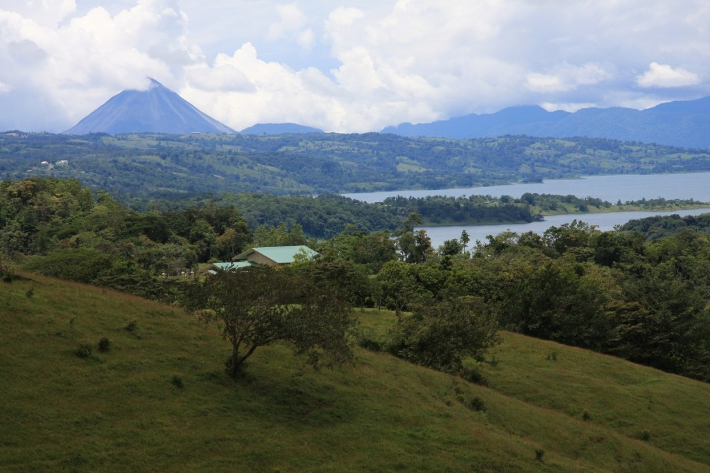 2008_09_01_3_North_side_of_Lake_Arenal_Costa_Rica_14